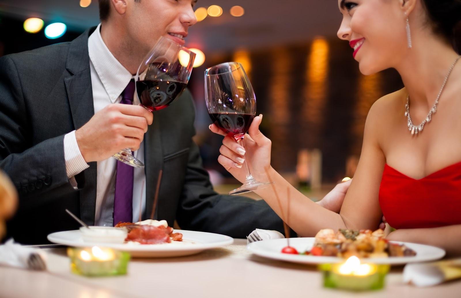 парень смайлики как пригласить на свидание богатого мужчину хотел девушкой